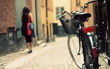 bicycle-woman-street-photography-hd-wallpaper-print-cmjn.jpg