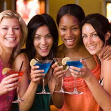 10 Ways To Plan The Perfect Girls Night Out: Stay In!