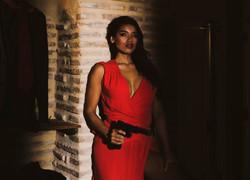 La espía en rojo.