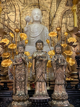 Image of statues by Christopher Balmer on riverboat photo tour in Cambodia & Vietnam