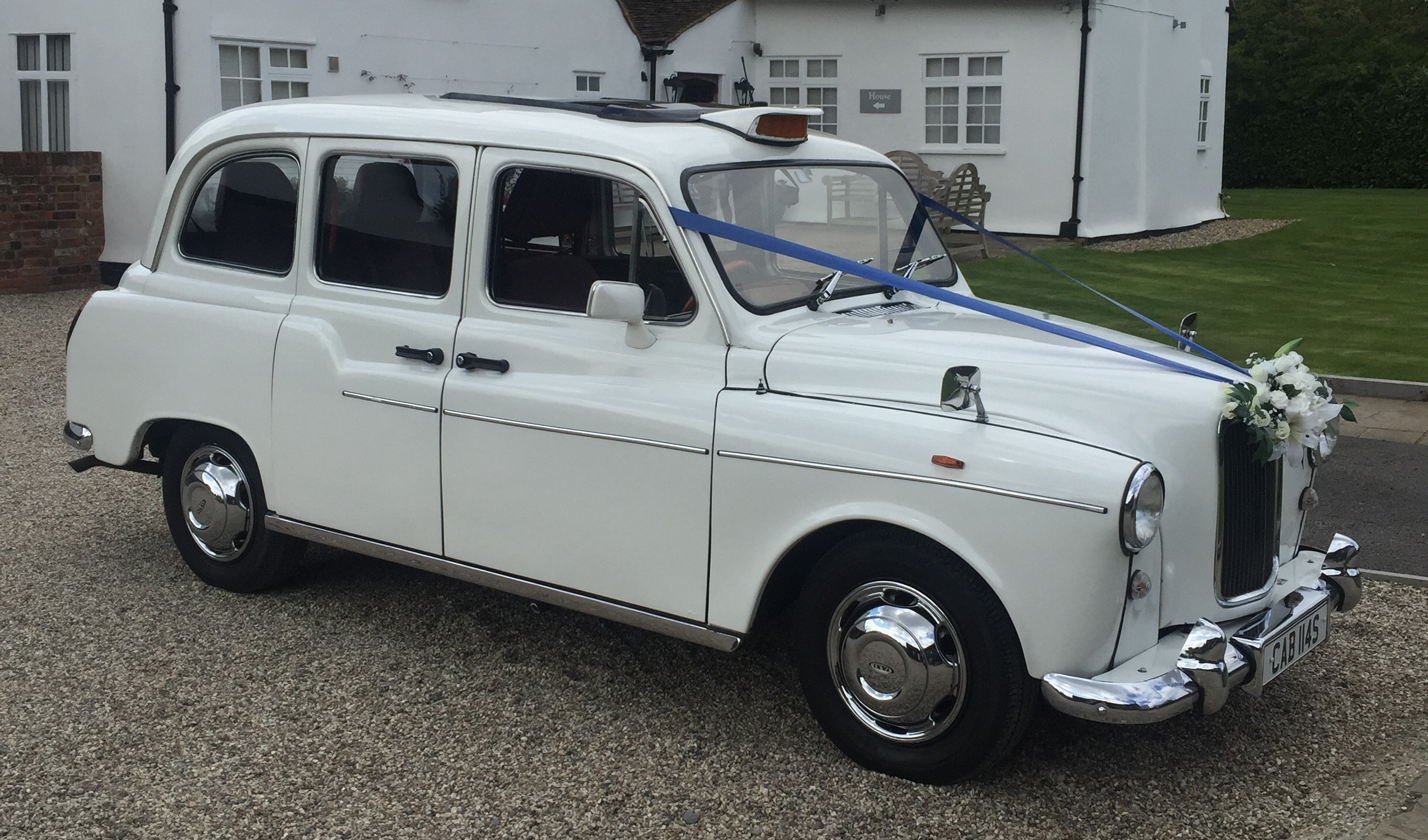 white wedding cars for hire – Essex