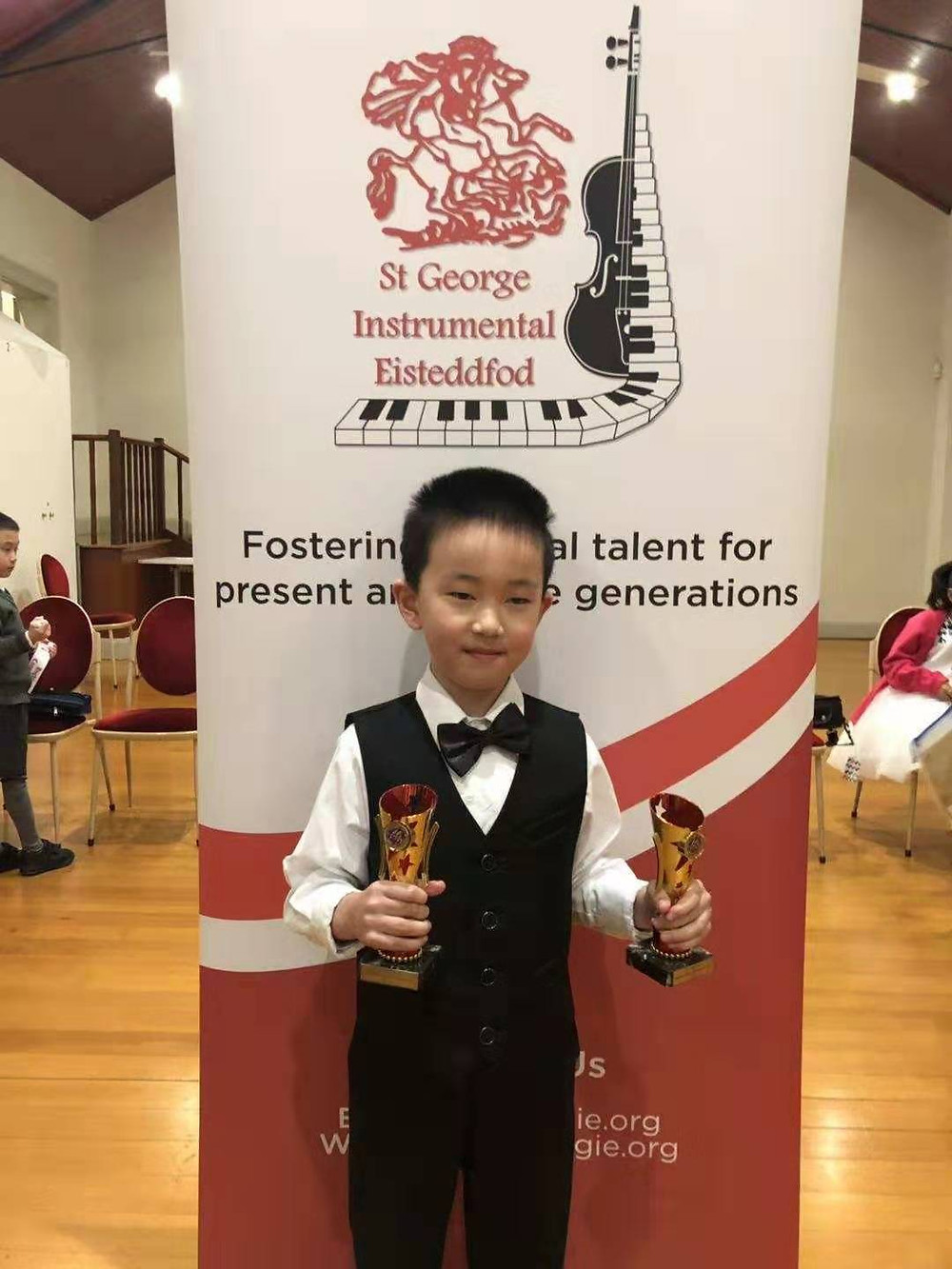 Winner of 2 Bronze trophies at the St George Eisteddfod