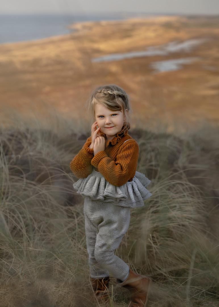 børneportræt i den smuk natur