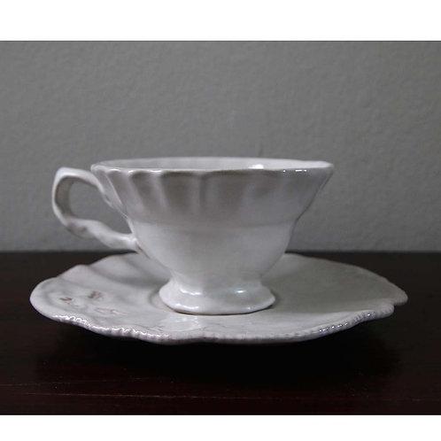Tea cup & Saucer (⌀13.6 x 6.5 & ⌀17.5 x 2cm)