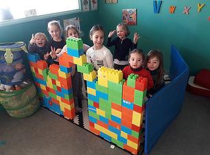 stage d'anglais lollipop cours d'anglais mur lego