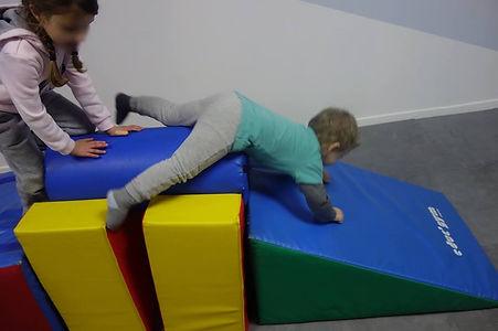 parcours de motricité chez Lollipop enfants babygym mini gym baby gym