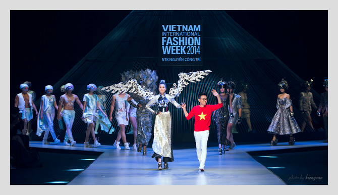 Nguyen Cong Tri at Vietnam International Fashion Week