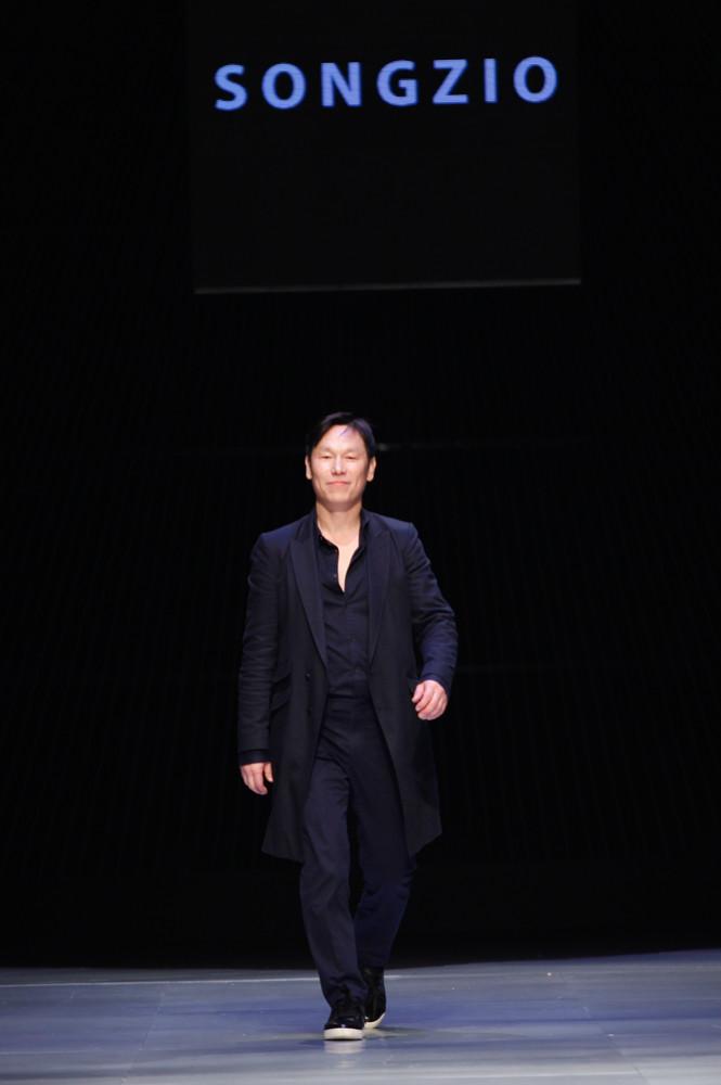 Songzio at Vietnam International Fashion Week<br><br>