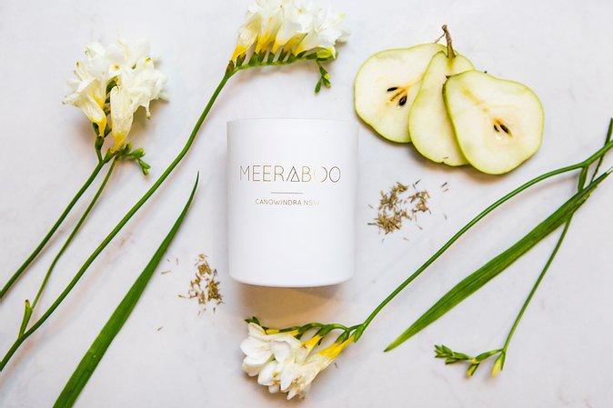 MEERABOO Soy Candle - English Pear+ Freesia