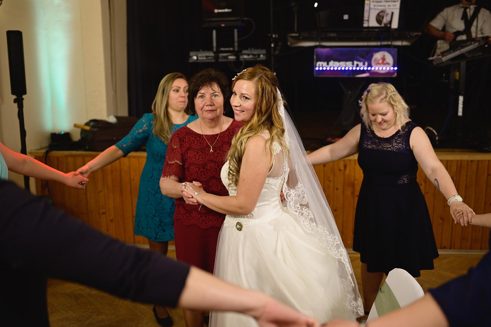 676  Esküvői fotózás - Enikő és Peti Bul