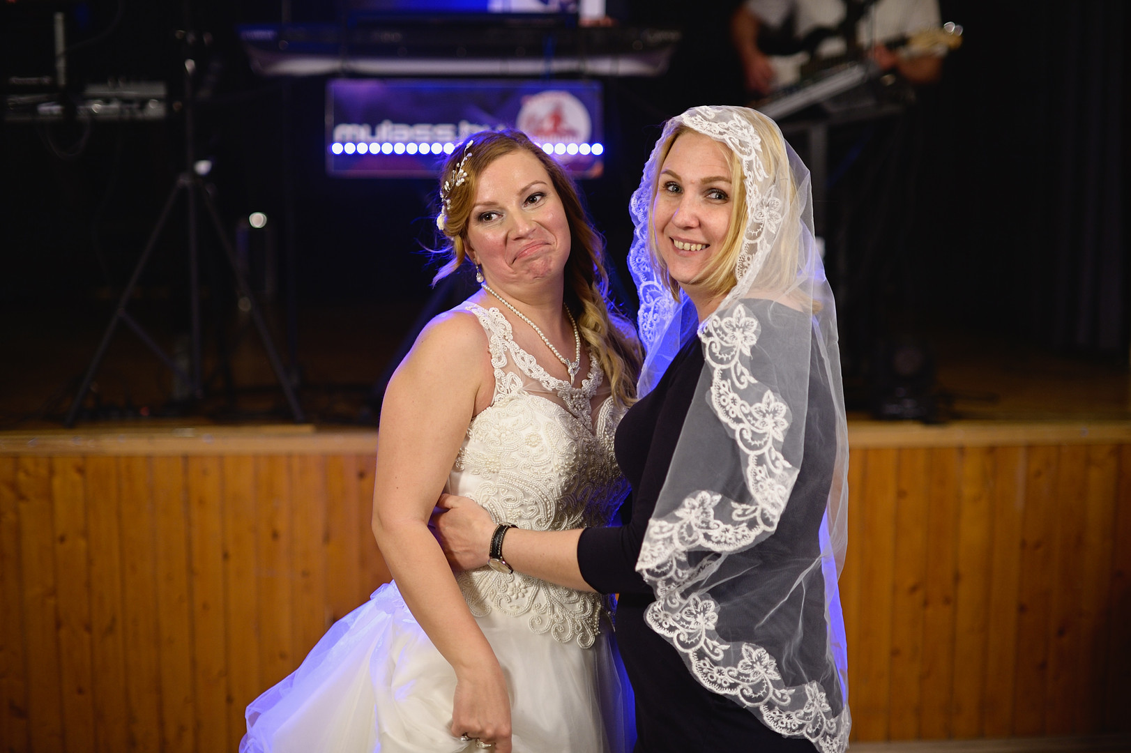 693  Esküvői fotózás - Enikő és Peti Bul