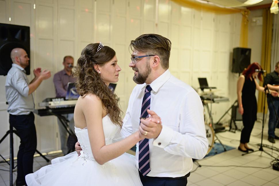 513 - Esküvő fotózás - Dia és Endi  - Bu