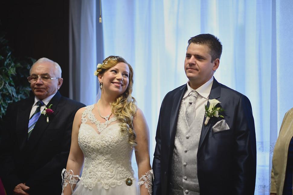 048 Esküvői fotózás - Enikő és Peti.jpg