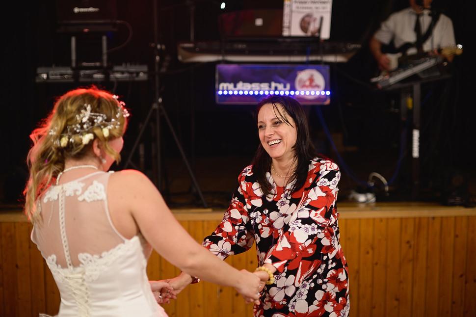 717  Esküvői fotózás - Enikő és Peti Bul