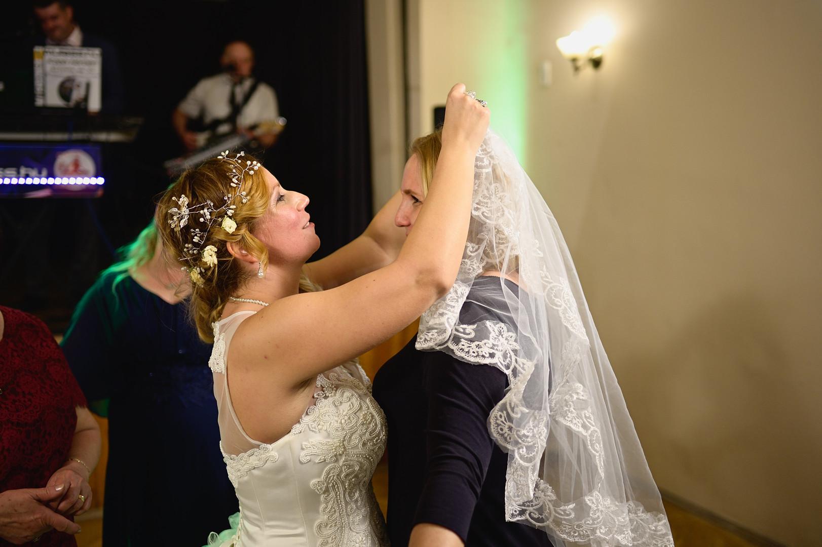 685  Esküvői fotózás - Enikő és Peti Bul