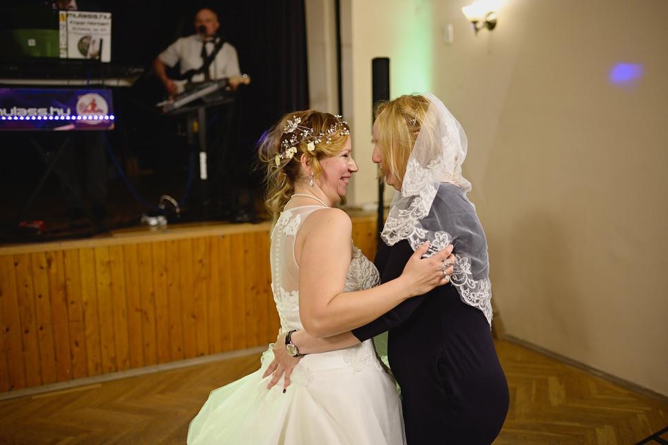 688  Esküvői fotózás - Enikő és Peti Bul