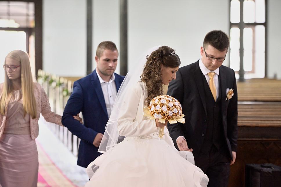 013 Esküvő fotózás - Dia és Endi - Templ