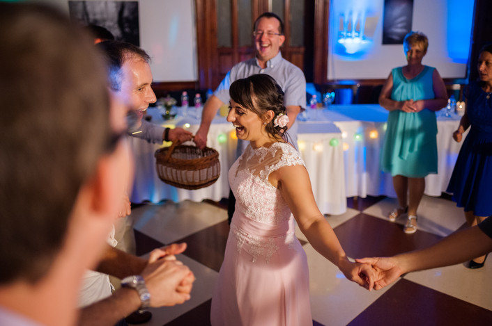 Esküvő fotózás videózás - Rita és Balázs - esküvői buli 44