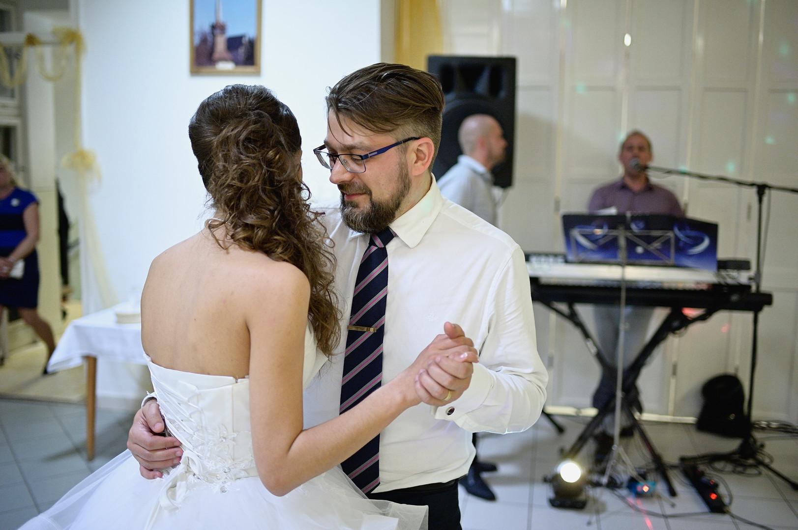 511 - Esküvő fotózás - Dia és Endi  - Bu
