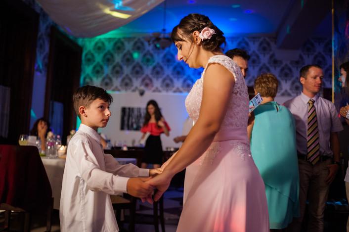 Esküvő fotózás videózás - Rita és Balázs - esküvői buli 43