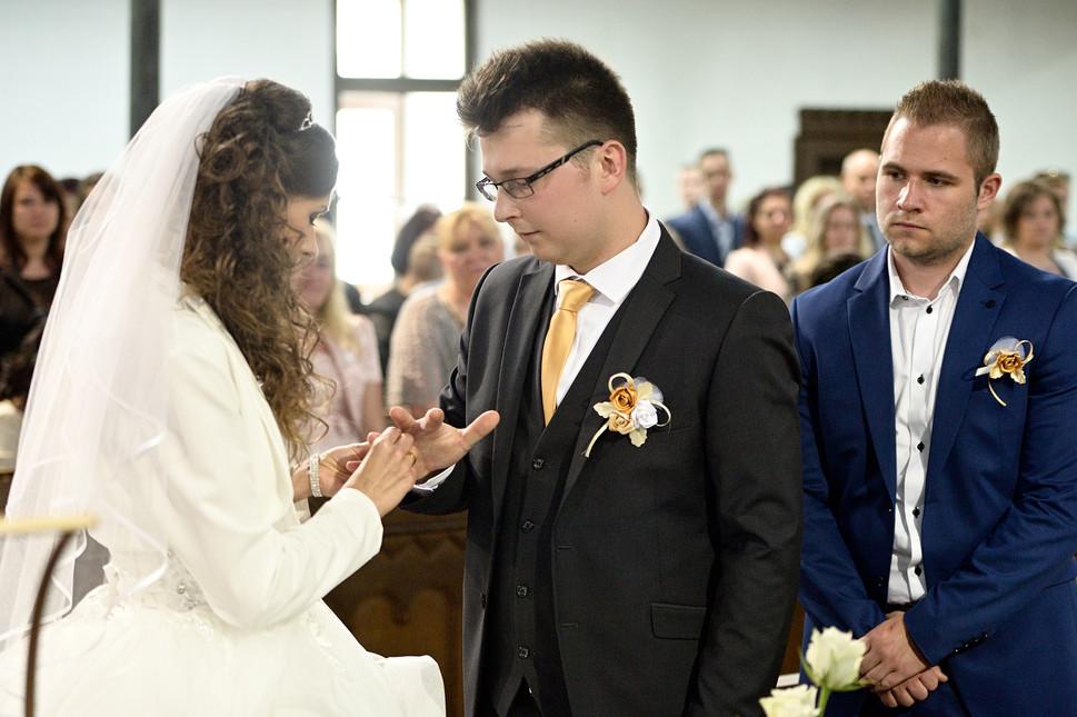 046 Esküvő fotózás - Dia és Endi - Templ