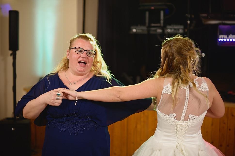 709  Esküvői fotózás - Enikő és Peti Bul