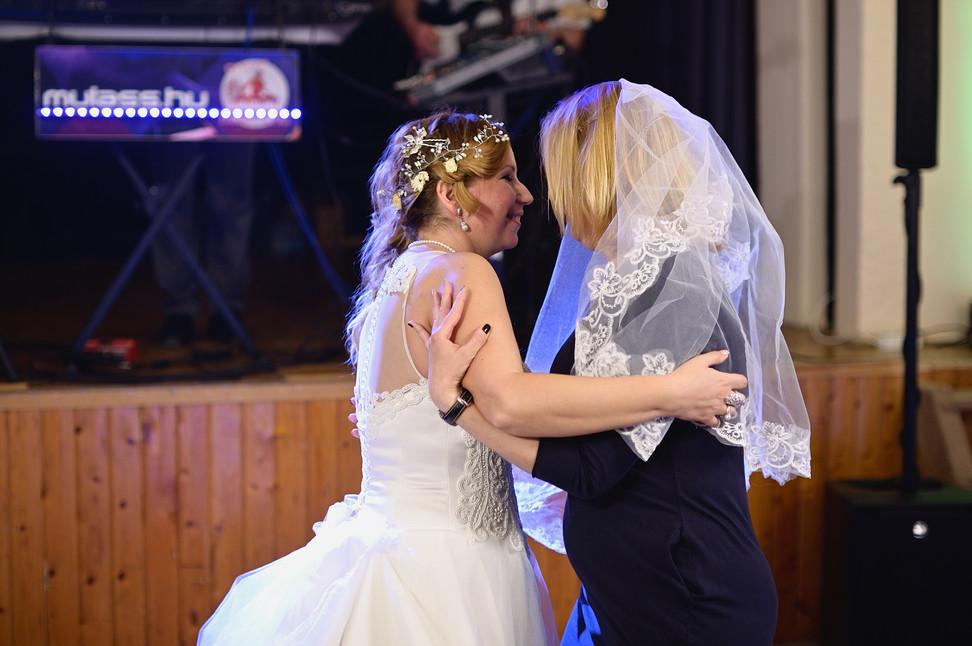 691  Esküvői fotózás - Enikő és Peti Bul