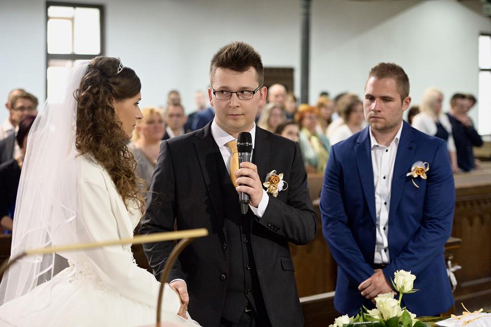 037 Esküvő fotózás - Dia és Endi - Templ