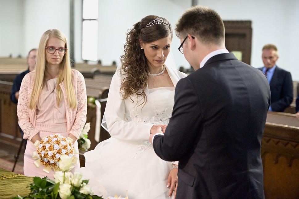 044 Esküvő fotózás - Dia és Endi - Templ