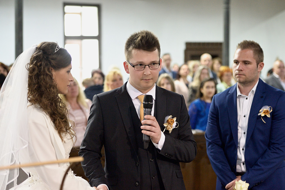 036 Esküvő fotózás - Dia és Endi - Templ
