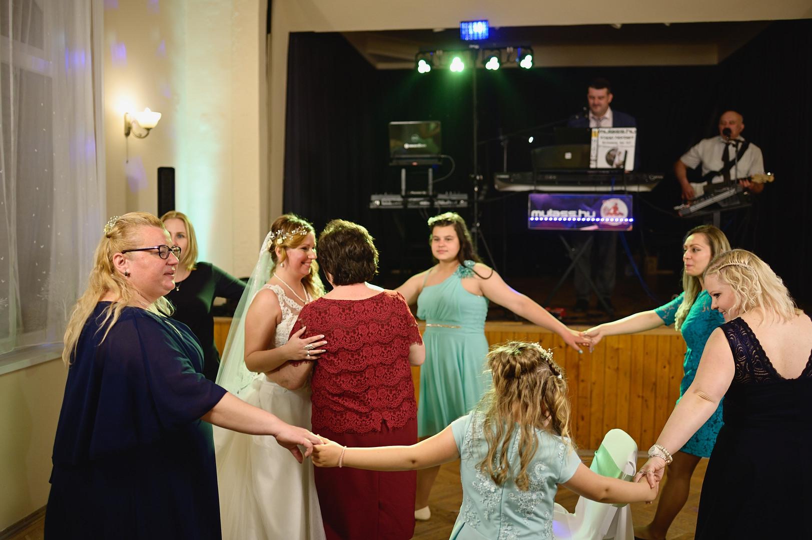 680  Esküvői fotózás - Enikő és Peti Bul