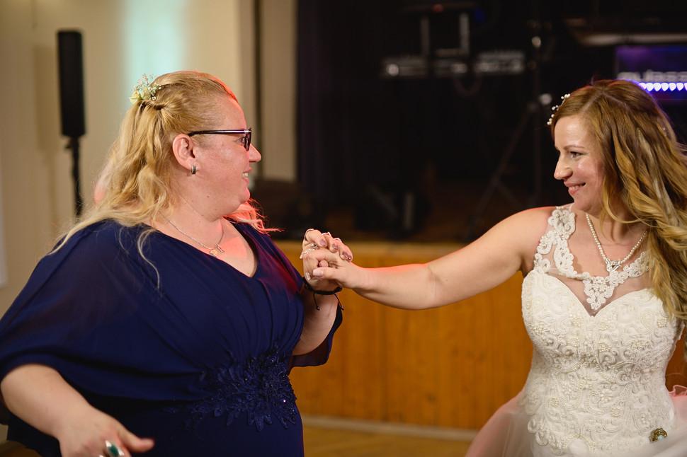 708  Esküvői fotózás - Enikő és Peti Bul