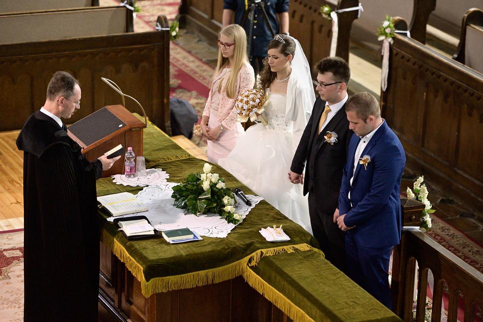 019 Esküvő fotózás - Dia és Endi - Templ