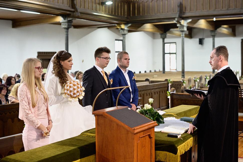 032 Esküvő fotózás - Dia és Endi - Templ