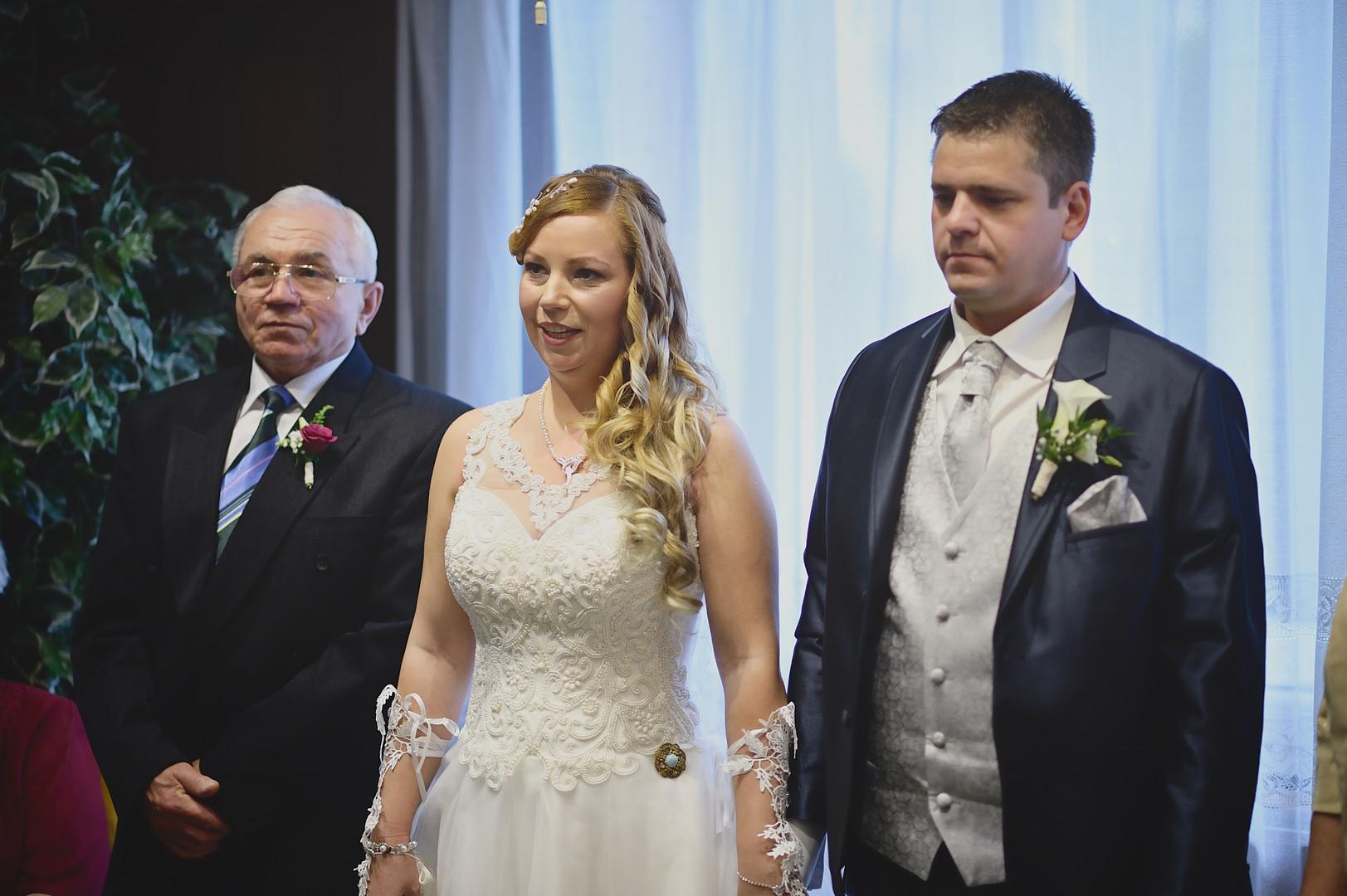047 Esküvői fotózás - Enikő és Peti.jpg