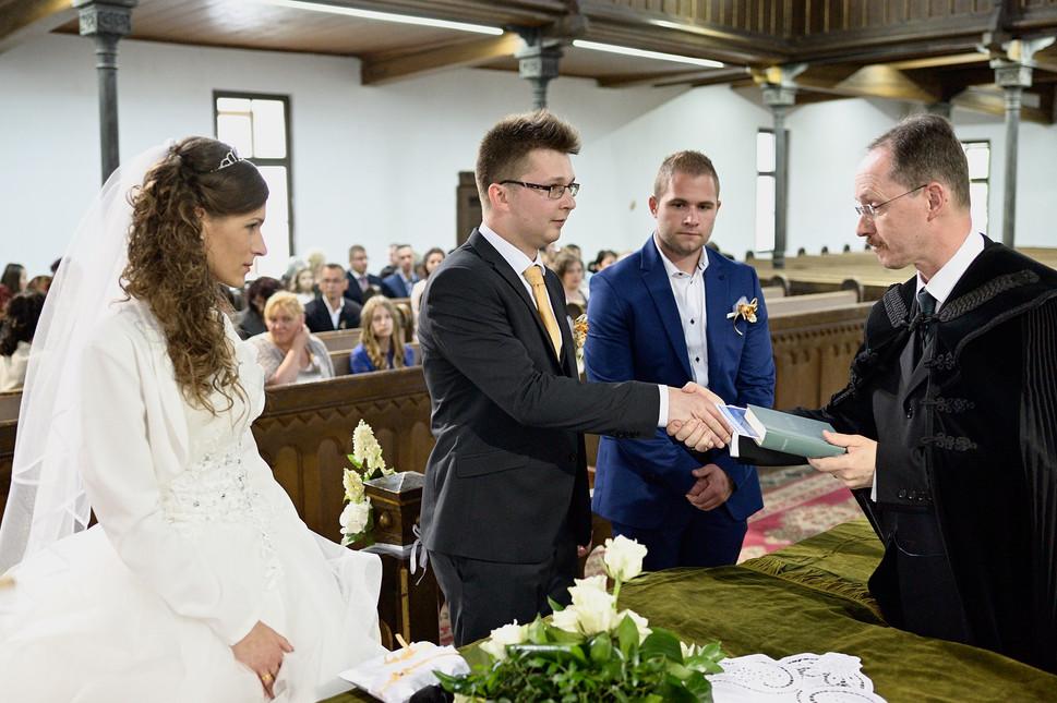 050 Esküvő fotózás - Dia és Endi - Templ