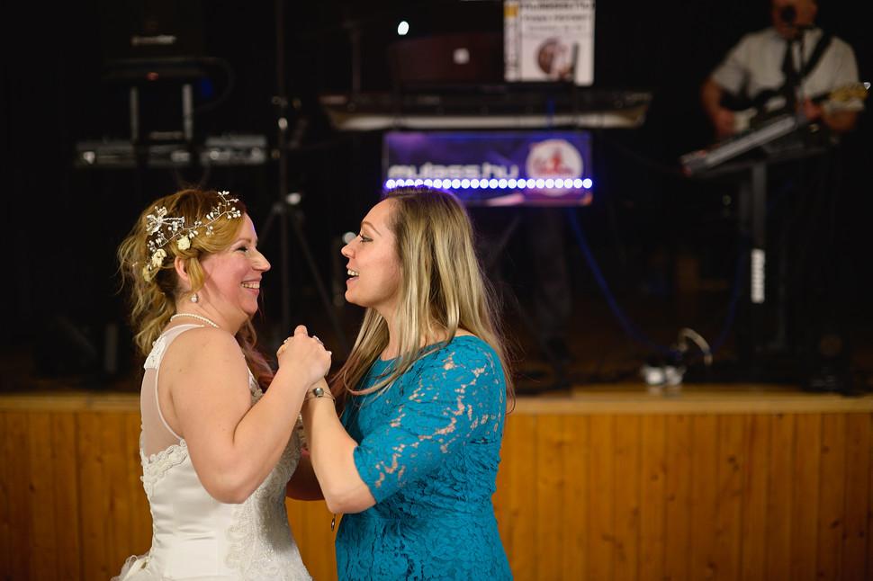 696  Esküvői fotózás - Enikő és Peti Bul