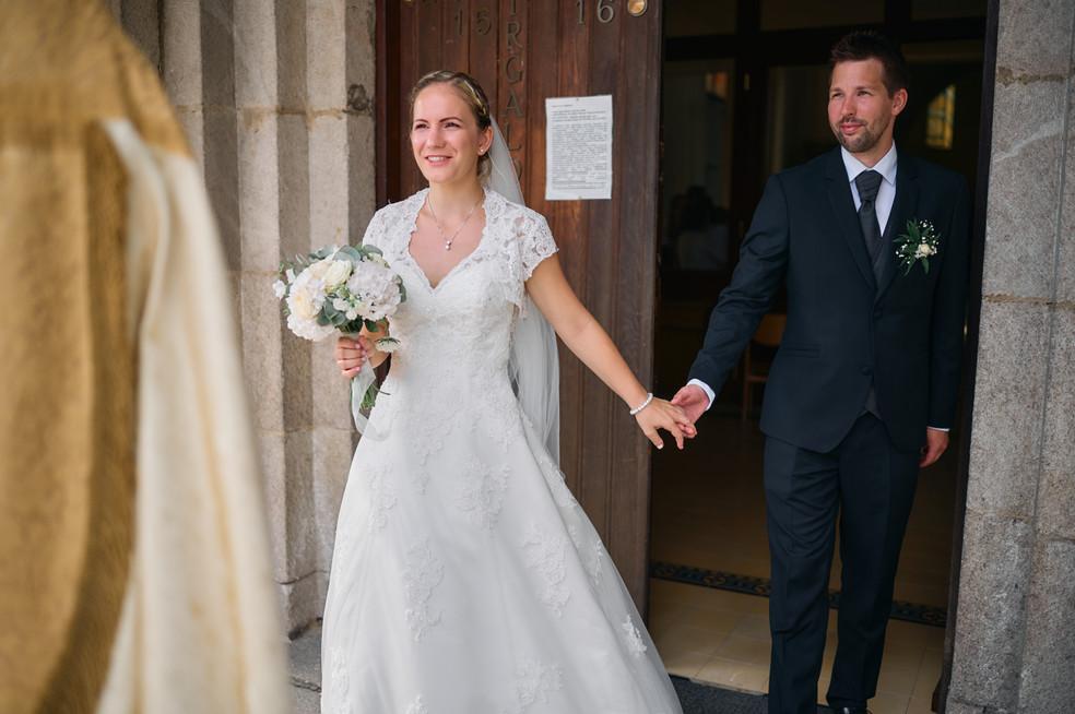 Karesz és Kriszti esküvői fotói, esküvőfotózás Dunakeszi Katolikus templom 08