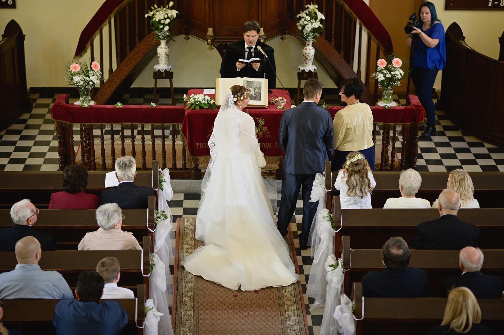 149  Esküvői fotózás - Enikő és Peti.jpg