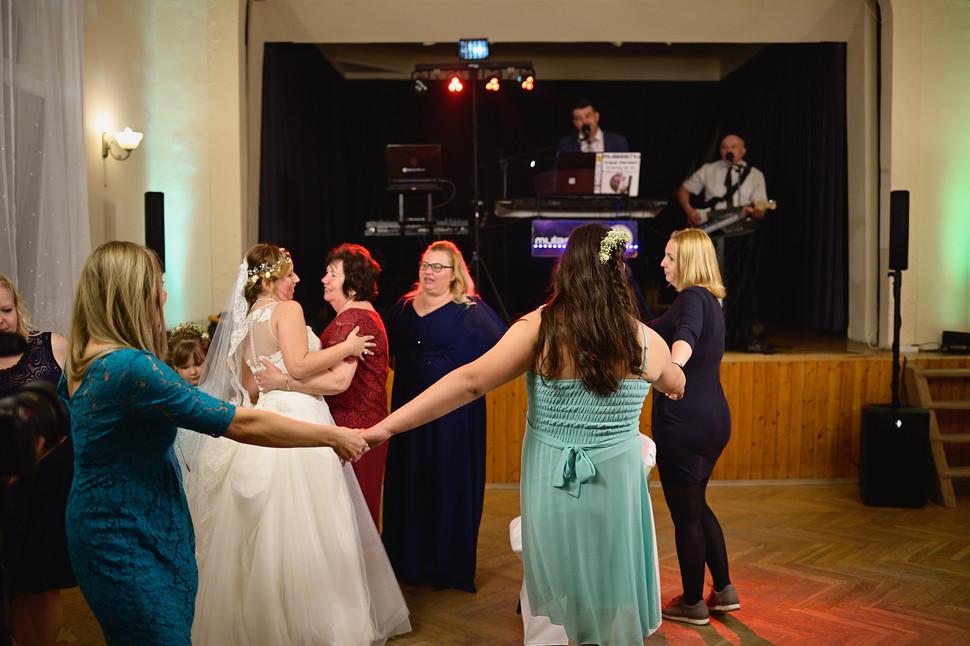 679  Esküvői fotózás - Enikő és Peti Bul