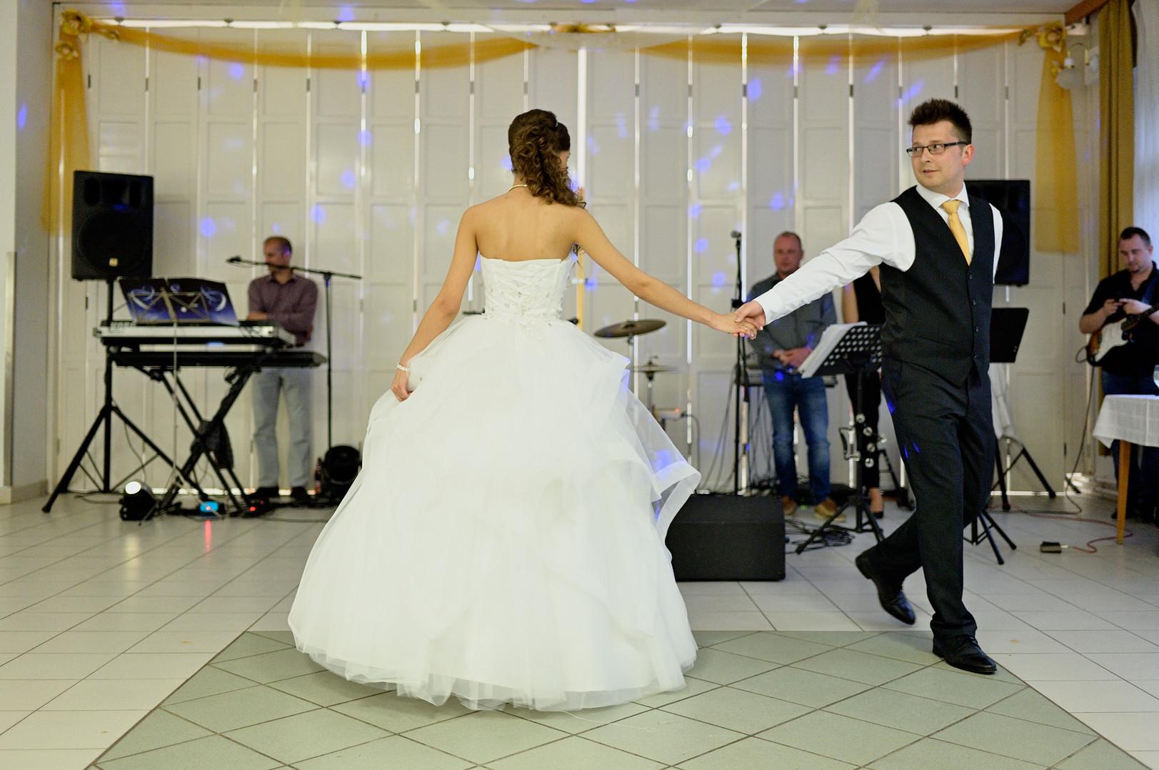 Esküvő fotózás - Dia és Endi - nyitótánc