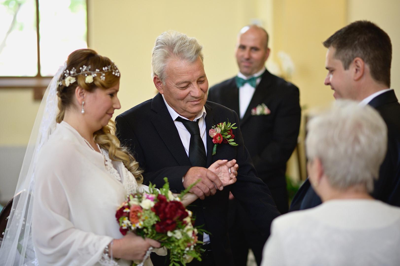143  Esküvői fotózás - Enikő és Peti.jpg