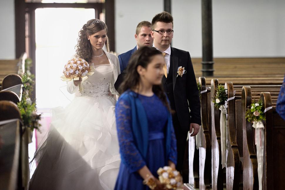 011 Esküvő fotózás - Dia és Endi - Templ