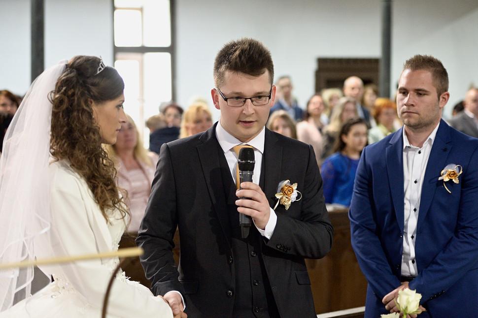 035 Esküvő fotózás - Dia és Endi - Templ