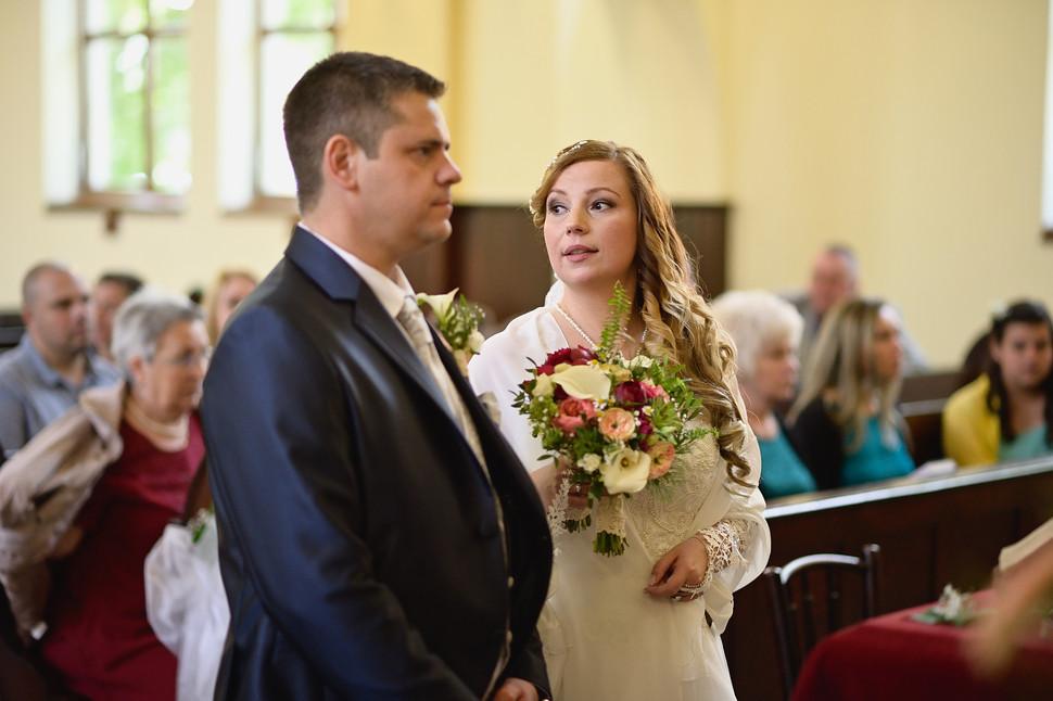 147  Esküvői fotózás - Enikő és Peti.jpg