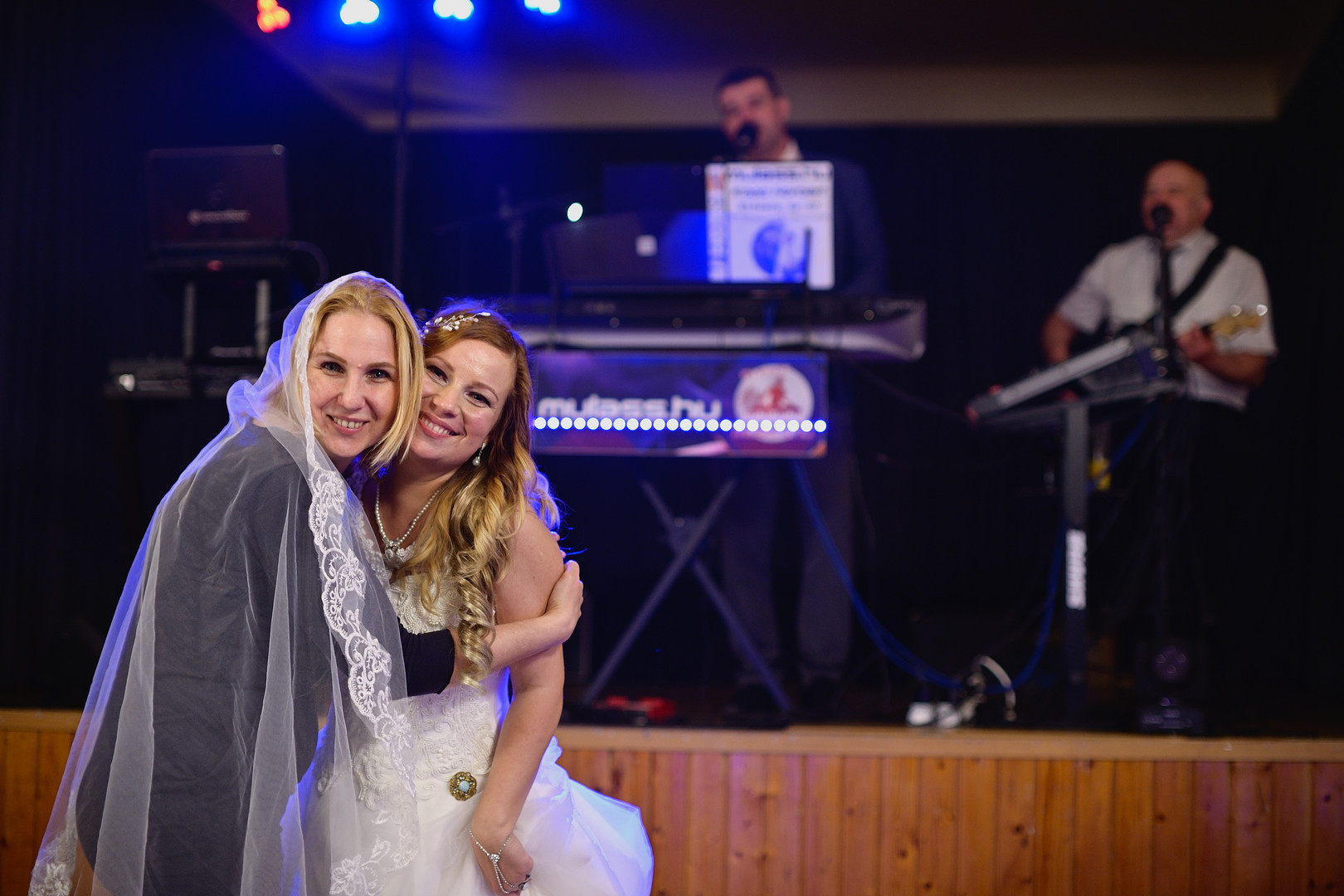 694  Esküvői fotózás - Enikő és Peti Bul