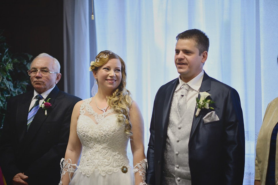 049 Esküvői fotózás - Enikő és Peti.jpg