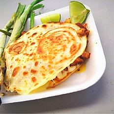 CARAMELO - TORTILLA WITH CHEESE & MEAT