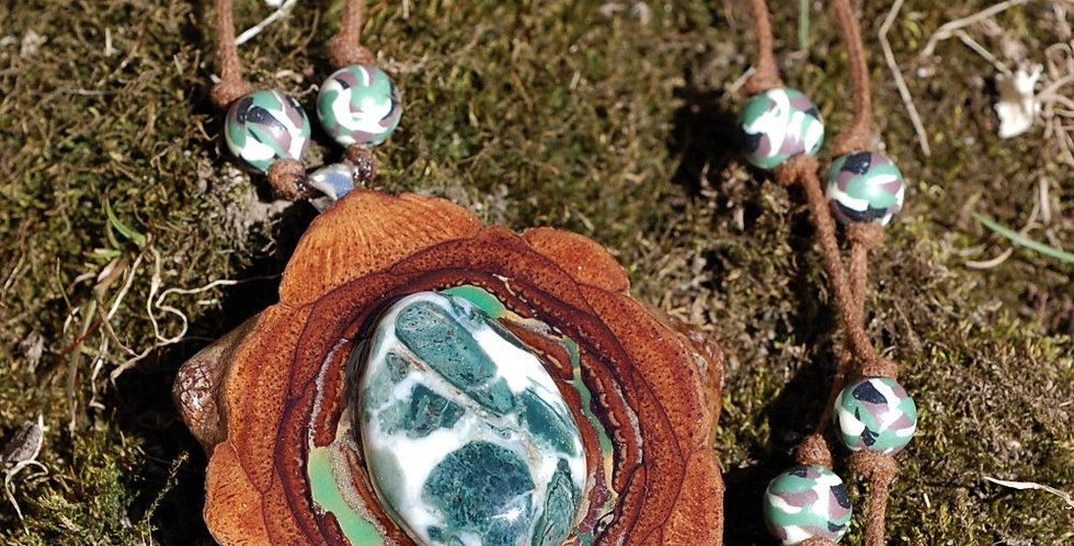 N940 Greentree Agate & Glow