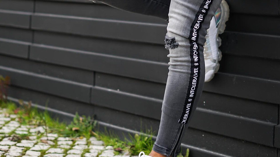 INTOLERAVEL TAPPED GREY JEANS